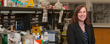 OSTROWSKI RECEIVES CAREER AWARD TO SUPPORT GROUNDBREAKING RESEARCH IN PHOTOCHEMISTRY