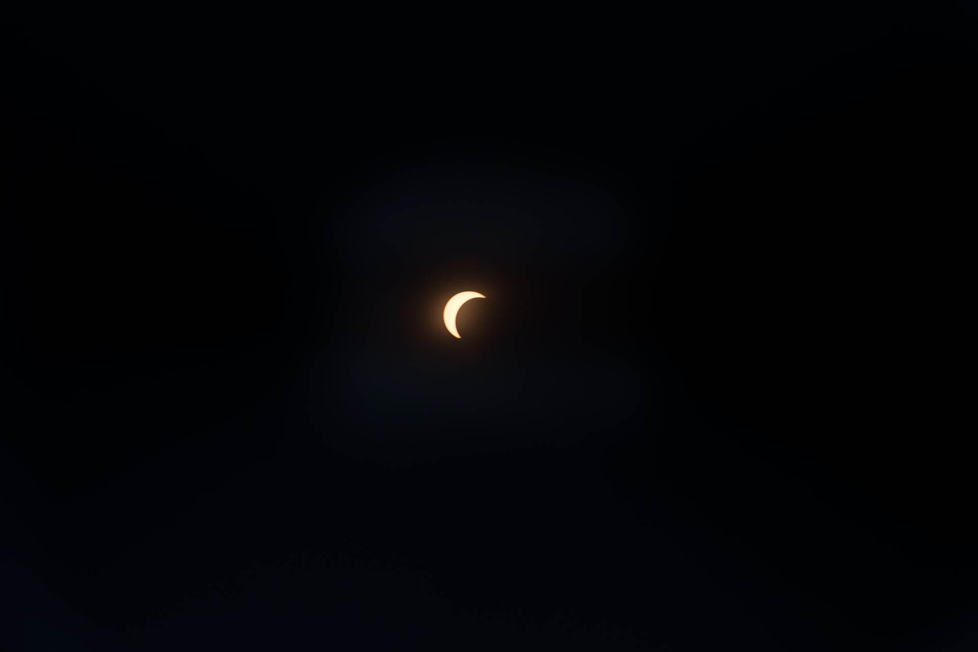 Solar eclipse sun cresent