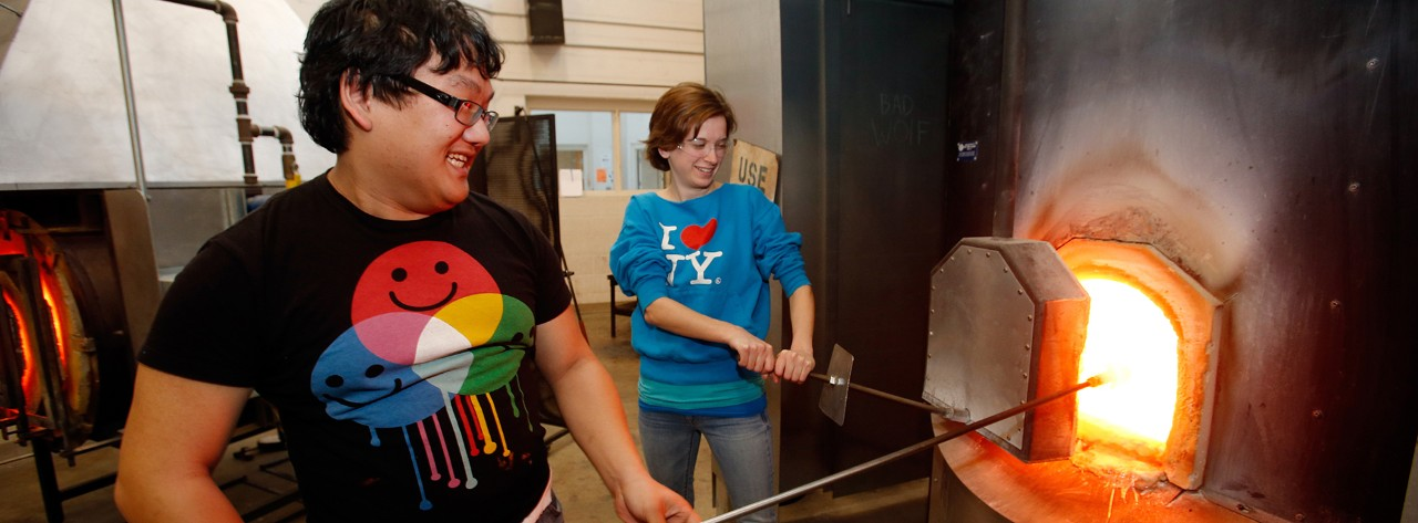 w-gsu8088-students-glass-blowing