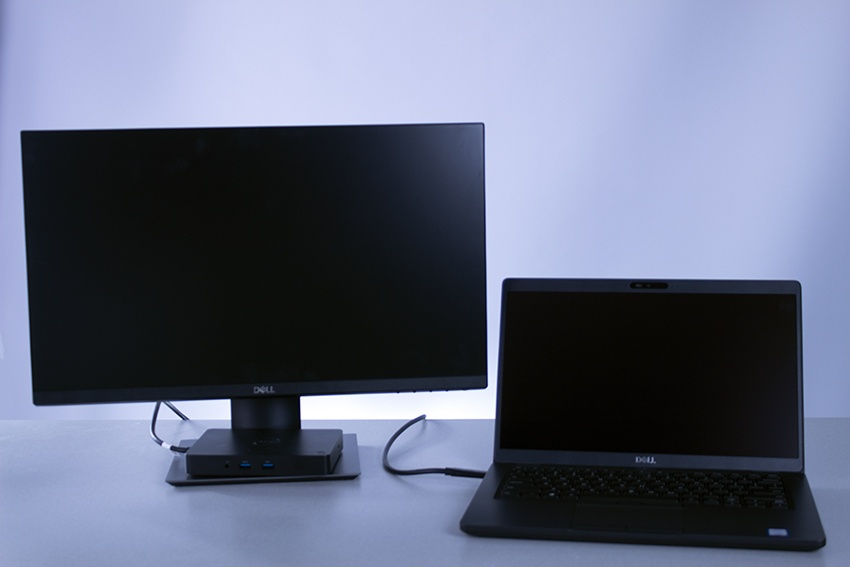 dell laptop with one monitor