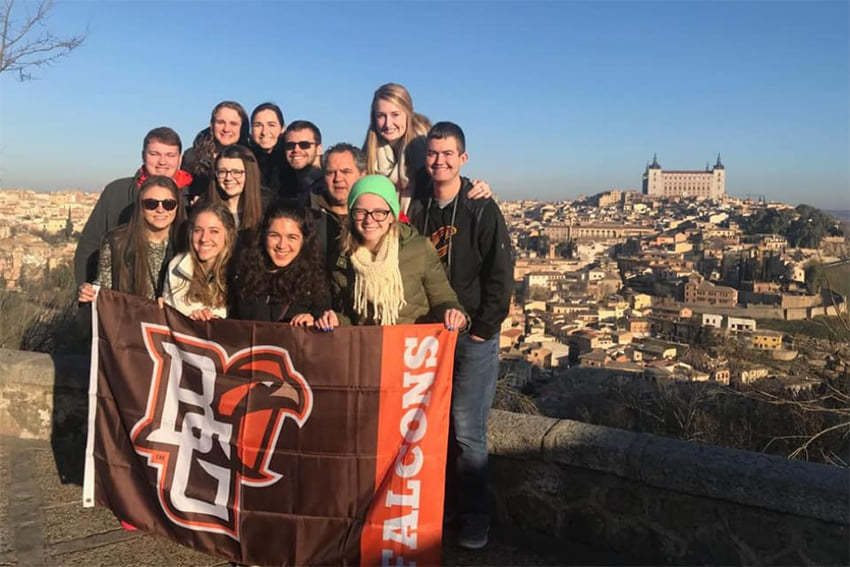 students-abroad-group
