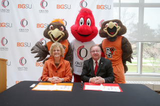 BGSU President Mary Ellen Mazey (left) and Owens State Community College President Mike Bower after signing the Falcon Express Dual Program agreement providing a clear path for qualifying Owens students to a four-year degree at BGSU.
