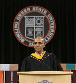 In his May 2015 commencement address, Seshadri Tangutur '87 told students of his journey from his native India to Bowling Green and eventually to his engineering leadership role at technology giant Snapchat.
