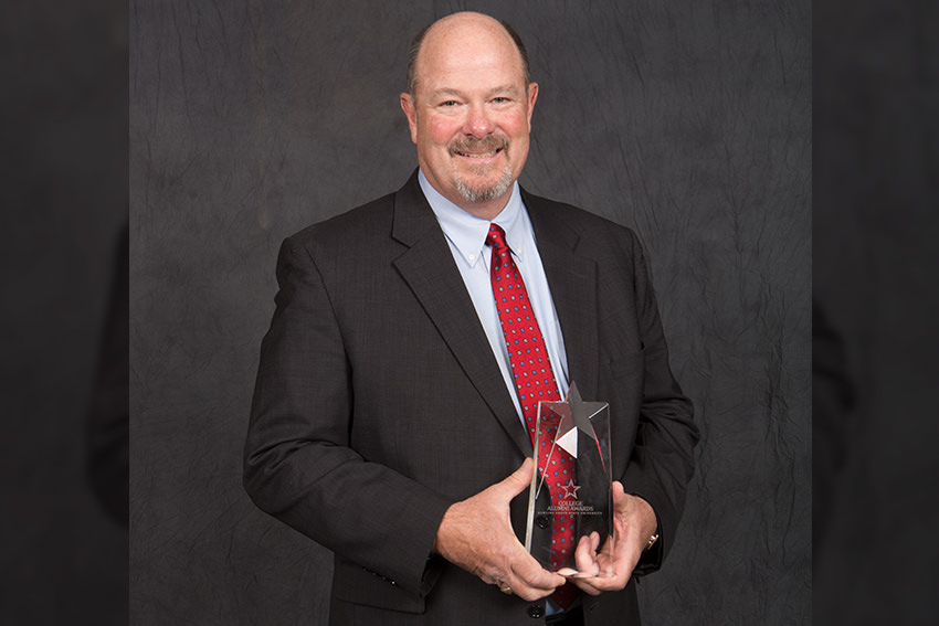 Philip J. Rudolph Jr. '91 recognized with College Alumni Award
