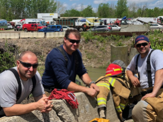 Heavy-Rescue-Louisiana-crew.jpg